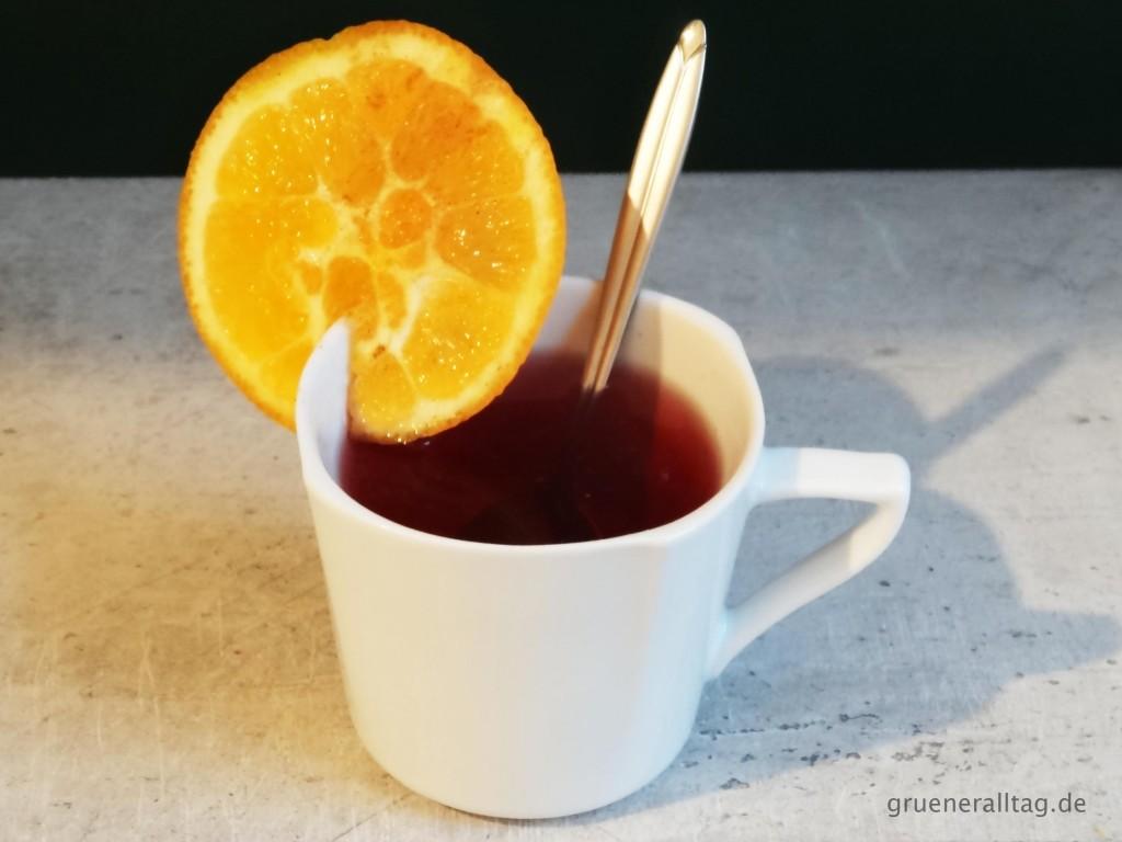 Hibiskus Früchtetee mit Orangensaft, Zimt, Pfeffer - Vegan Clean Eating Weihnachtsmenü 2015