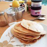 Pfannkuchen Stapel auf dem Teller